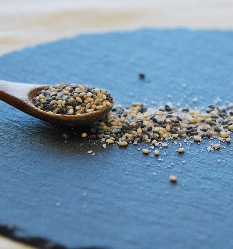 胡麻塩|家庭の料理を更に美味しくする調味料の紅彩塩